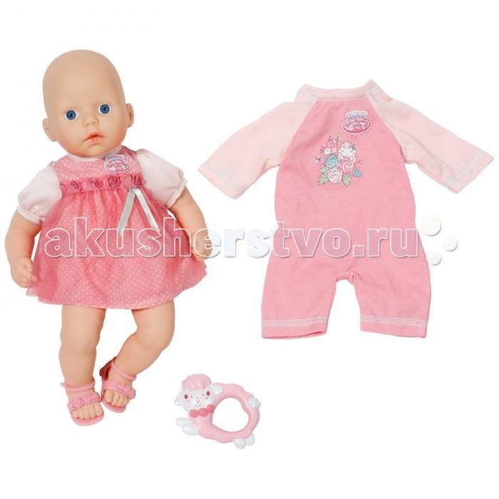 Zapf Creation Бэби Аннабель Кукла с набором одежды 36 смБэби Аннабель Кукла с набором одежды 36 смПупсы от Zapf Creation Baby Annabell очень милы и прекрасно детализированы.   Кукла станет хорошим подарком для маленькой девочки, стремящейся к заботе и уходу за малышом. Приветливое личико куклы и большие голубые глаза создают впечатление, что новорождённая малышка совсем настоящая. Ручки и ножки пупса сделаны из мягкого, качественного пластика, повторяющего текстуру нежной кожи малыша.   У куклы Baby Annabell в комплекте есть второй набор одежды. А так же розовые детские сандалики и погремушка в виде бело-розовой овечки.   Такая игрушка отлично подойдет для девочки в возрасте от трех лет.<br>