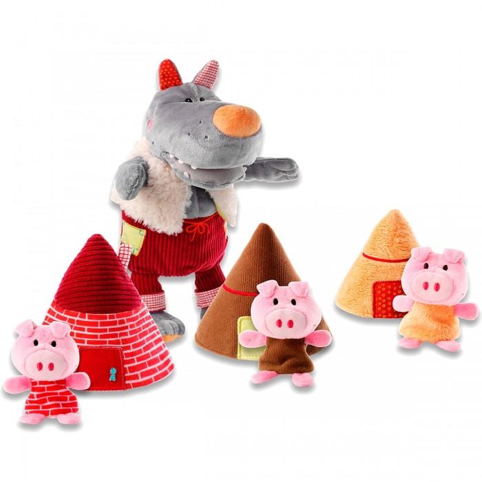 Lilliputiens Пальчиковые игрушки: Волк и три поросенкаПальчиковые игрушки: Волк и три поросенкаLilliputiens Пальчиковые игрушки: Волк и три поросенка. Эта история стара, как мир. Это притча о мужестве. Ее можно рассказывать детям снова и снова, чтобы помочь им научиться преодолевать свои страхи.   Три поросенка (пальчиковые игрушки) в своих маленьких домиках смело бросают вызов большому злому волку (ручная игрушка). По окончании истории 3 домика и поросята хранятся в брюшке волка, который по этому случаю становится намного более доброжелательным!<br>