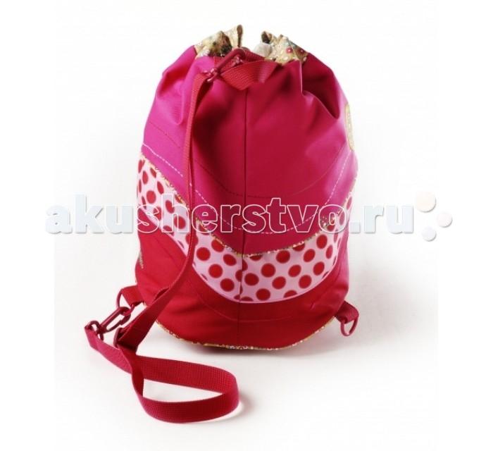 Lilliputiens Спортивная сумка Божья коровка ЛизаСпортивная сумка Божья коровка ЛизаLilliputiens Божья коровка Лиза: спортивная сумка.  Спортивная сумка Божья коровка Лиза понадобится юной спортсменке. В эту симпатичную сумочку можно будет сложить все, что необходимо взять с собой на тренировку: спортивные вещи, принадлежности, обувь и многое другое. Игривые детали и изумительно красочный и красивый дизайн спортивной сумки делают из нее настоящего компаньона в любом походе.   Сумка выполнена из водонепроницаемой и моющей ткани, и с ней можно не бояться попасть под дождь. Сумочка имеет регулируемые лямки, петельку для вешалки и прозрачный карманчик, куда можно будет вставить листочек с именем, адресом или фотографию девочки. Лиза всегда рада отправиться с тобой в новое путешествие!<br>