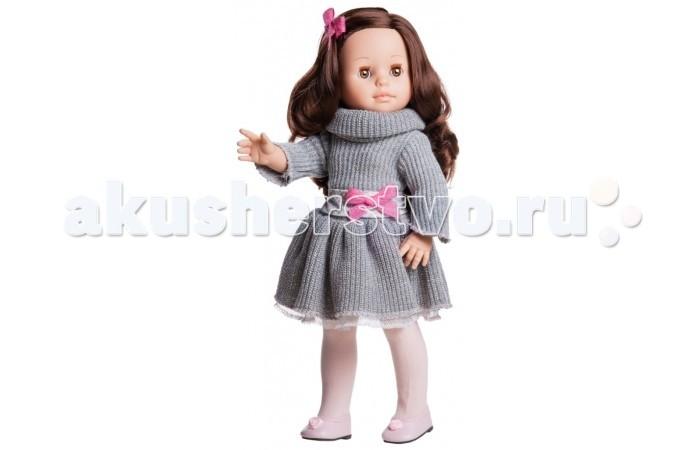 Paola Reina Кукла Эмили 42 смКукла Эмили 42 смPaola Reina Кукла Эмили 42 см   Миловидное личико, шелковистые волосы и яркий наряд – вот то, что ценится в любой кукле. А Эмили наделена всеми этими качествами!   Особенности: У куклы Paola Reina нежный ванильный аромат.  Уникальный и неповторимый дизайн лица и тела. Ручная работа (ресницы, веснушки, щечки, губы, прическа). Волосы легко расчесываются и блестят. Глазки не закрываются. Ручки, ножки и голова поворачиваются.  Качество подтверждено нормами безопасности EN71 ЕЭС.   Материалы: кукла изготовлена из винила глаза выполнены в виде кристалла из прозрачного твердого пластика волосы сделаны из высококачественного нейлона.<br>