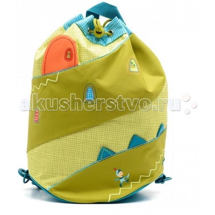 Lilliputiens Спортивная сумка Дракон УолтерСпортивная сумка Дракон УолтерLilliputiens Дракон Уолтер: спортивная сумка.  Даже драконам нужно делать упражнения! Этот рюкзачок-мешок прекрасно подходит для того, чтобы носить в нем спортивные принадлежности, используя две горизонтальные лямки, или одну диагональную.   А за дверцей замка можно записать имя ребёнка. Детские аксессуары предназначены для ценителей детских товаров высочайшего качества. Только самые качественные материалы, удобство, функциональность, яркие краски!<br>
