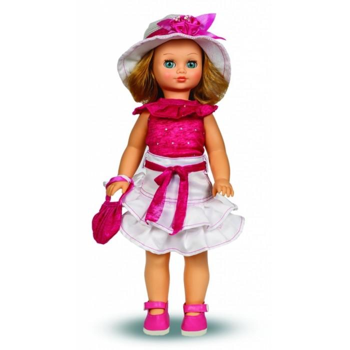 Весна Кукла Лиза 16 49 смКукла Лиза 16 49 смВесна Кукла Лиза 16 (озвученная) покорит сердце любой девочки! Обаятельный внешний вид и прелестные одежки игрушечной красавицы вызывают только самые добрые и положительные эмоции.  Особенности: У прелестной куклы Лизы нежные голубые глаза и роскошные золотистые локоны.  На ней надеты нарядная блуза, пышная юбка с воланами и розовые туфельки. Комплект дополняют шляпка с цветком и сумочка в тон блузе. У Лизы закрываются глазки, и она умеет разговаривать.  При нажатии на звуковое устройство, вставленное в спинку, кукла произносит следующие фразы:  - Привет! Давай потанцуем.  - Я люблю музыку.  - Возьми меня за ручки.  - Покружись со мной.  - Как здорово!  - А сейчас спой мне песенку.  - А другую песенку…  - Мне очень нравится!  Очаровательная кукла фирмы Весна покорит сердце любой девочки! Обаятельный внешний вид и прелестные одежки игрушечных красавиц вызывают только самые добрые и положительные эмоции. Куклы производятся на российских фабриках из нетоксичных, безопасных для детей материалов. Они отличаются высоким качеством, проработанностью деталей и гармоничными пропорциями тела. Голова и ручки кукол изготовлены из эластичного винила, очень приятного на ощупь, а туловище и ножки - из прочной пластмассы. У кукол густые мягкие волосы, которые можно мыть, расчесывать и заплетать как только захочется. Они прочно закреплены и способны выдержать практически любые творческие порывы ребенка. Особый восторг у маленьких модниц вызывают нарядные костюмы, которые можно снимать и менять. Дополнительно к куклам выпускаются самые разнообразные комплекты одежды. С прелестной куклой отечественного производства возможно не просто весело проводить время, но и научиться одеваться по сезону. Игра с очаровательными куклами поможет развить мелкую моторику, а возможность менять костюмчики и прически формирует эстетический вкус. Милая игрушка станет лучшей подружкой для девочки и научит ребенка доброте и заботе о других.  Производитель оставляет