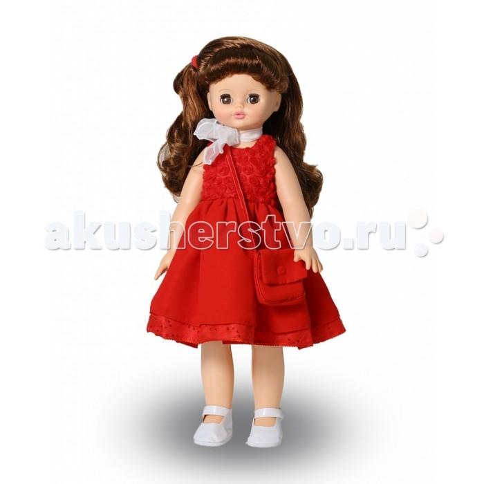 Весна Кукла Алиса 19 59 смКукла Алиса 19 59 смВесна Кукла Алиса 19 (озвученная) покорит сердце любой девочки! Обаятельный внешний вид и прелестные одежки игрушечной красавицы вызывают только самые добрые и положительные эмоции.   Особенности: У элегантной куклы Алисы большие карие глаза и роскошные каштановые волосы. Одета Алиса в нарядное шелковое платье с прелестные белые туфельки. Комплект дополнен сумочкой в тон наряду и шифоновым платком. При нажатии на звуковое устройство, вставленное в спинку, кукла произносит различные фразы.  Очаровательная кукла фирмы Весна покорит сердце любой девочки! Обаятельный внешний вид и прелестные одежки игрушечных красавиц вызывают только самые добрые и положительные эмоции. Куклы производятся на российских фабриках из нетоксичных, безопасных для детей материалов. Они отличаются высоким качеством, проработанностью деталей и гармоничными пропорциями тела. Голова и ручки кукол изготовлены из эластичного винила, очень приятного на ощупь, а туловище и ножки - из прочной пластмассы. У кукол густые мягкие волосы, которые можно мыть, расчесывать и заплетать как только захочется. Они прочно закреплены и способны выдержать практически любые творческие порывы ребенка. Особый восторг у маленьких модниц вызывают нарядные костюмы, которые можно снимать и менять. Дополнительно к куклам выпускаются самые разнообразные комплекты одежды. С прелестной куклой отечественного производства возможно не просто весело проводить время, но и научиться одеваться по сезону. Игра с очаровательными куклами поможет развить мелкую моторику, а возможность менять костюмчики и прически формирует эстетический вкус. Милая игрушка станет лучшей подружкой для девочки и научит ребенка доброте и заботе о других.  Производитель оставляет за собой право изменения цветовой гаммы одежды и волос куклы, цвет глаз может варьироваться.<br>