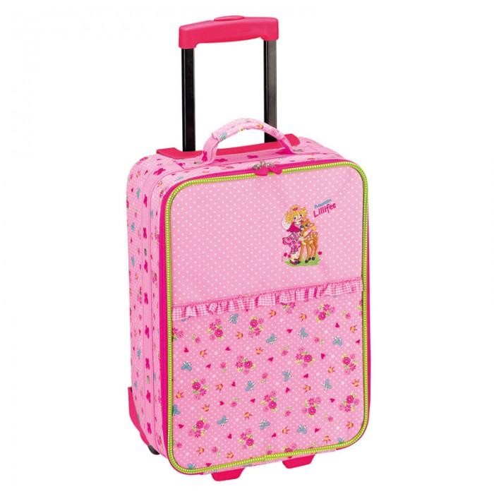 Spiegelburg Детский чемодан Prinzessin Lillifee 30207Детский чемодан Prinzessin Lillifee 30207Spiegelburg Чемодан Prinzessin Lillifee.  Чемодан Prinzessin Lilifee для маленьких путешественниц! Обладает небольшим размером, что позволяет малышке самостоятельно перевозить свой багаж. Нежно-розовый цвет разбавлен цветочным принтом, оборками и очаровательной аппликацией. С таким чемоданом любая малышка будет чувствовать себя принцессой! В комплекте идут небольшой съемный замочек,ключики и чехол для чемодана.  Общие характеристики  телескопическая ручка, 2 положения  2 ручки переноски: 1 сверху, 1 сбоку главное отделение полностью открывается, внутри два ремешка  2 колесика двухполосная молния.<br>