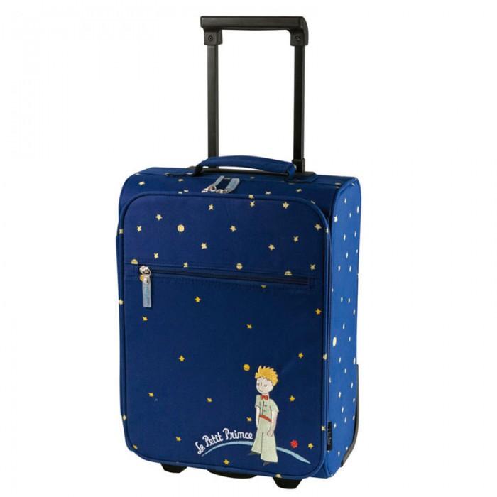 Petit Jour Детский чемодан Petit Prince PP520EДетский чемодан Petit Prince PP520EPetit Jour Чемодан Petit Prince.  Чемодан Petit Prince выполнен из прочного водоотталкивающего материала темно-синего цвета. Обладает небольшим размером, что позволяет ребенку самостоятельно перевозить свой багаж. Яркий дизайн с изображением Маленького принца превратят любую поездку в сказочное путешествие!  Общие характеристики  телескопическая ручка, 2 положения  2 ручки переноски: 1 сверху, 1 сбоку главное отделение полностью открывается, внутри два ремешка  двухполосная молния  2 колесика и чехол на них внешний карман на молнии.<br>