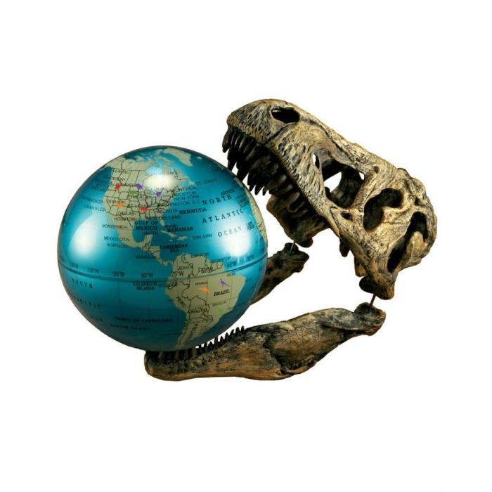 Светильник Uncle Milton Пособие Земля Динозавров National GeographicПособие Земля Динозавров National GeographicСветильник Земля Динозавров.   Глобус с отмеченными ареалами обитания динозавров.   Батарейки входят в комплект.   Возраст: 6+<br>