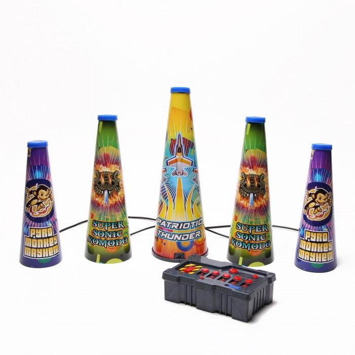 Uncle Milton Набор для световых шоу Fireworks LightshowНабор для световых шоу Fireworks LightshowНабор для световых шоу.   Входят пять световых установок и специальный пульт управления с возможностью программирования.   Полноценный фейерверк и световое шоу в домашних условиях. Требуется 6 батареек АА (в комплект не входят). Возраст: 6+<br>