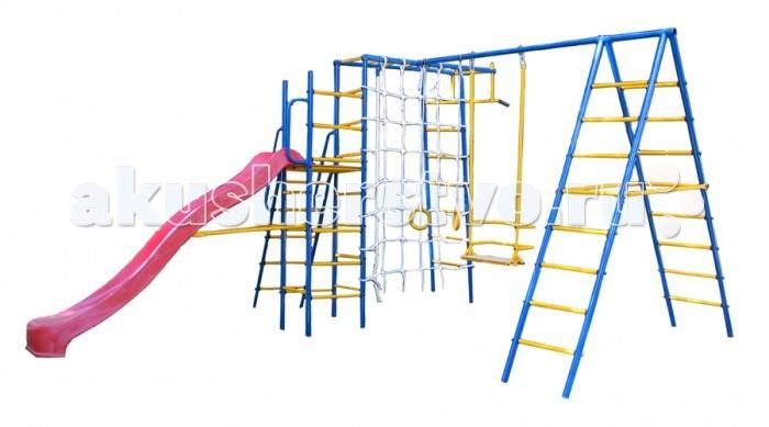 Kampfer Уличный детский спортивный комплекс Total PlaygroundУличный детский спортивный комплекс Total PlaygroundKampfer Уличный детский спортивный комплекс Total Playground станет прекрасным украшением Вашего дачного и приусадебного участка или детской игровой площадки.   Особенности: Компактная конструкция, занимая не много места, позволяет выполнить множество упражнений, на развитие мышц спины, пресса, рук и ног.  Пластиковая горка оборудована подъемной металлической лесенкой с поручнями и боковой шведской стенкой.  Турник и рукоход, которыми оснащены шведские стенки комплекса, позволяют выполнить множество упражнений, при этом укрепляются мышцы, развивается ловкость и физическое здоровье малышей. В моделях модернизирована система крепления качелей. Стандартные устаревшие крепления были заменены на новые универсальные съемные карабины, что не только облегчает сборку комплекса но и позволяет при необходимости снять качели. Например чтобы разместить другое навесное оборудование. Для снижения уровня шума и повышения плавности хода крепления оборудованы пластиковыми вставками защищающими детали от износа. Стойки комплексов Kampfer выполнены из сплавов металла с повышенной прочностью диаметром 42 мм. Расстояние между ступеньками лестницы составляет 26 см, что соответствует требованиям ГОСТа и наиболее подходит для занятий малышей от 4х лет, так и подростков и их родителей. Все выступающие крепежные элементы закрыты пластиковыми заглушками. Которые обеспечивают безопасность детей, защищают детали креплений от погодных условий, и выглядят более эстетично. Навесное оборудование в местах крепления к ДСК оснащено пластиковыми кольцами, они защищают покрытие стоек от повреждений и надежно фиксируют навесное оборудование, препятствуя скольжению и износу тросов навесных аксессуаров. Удобные и надежные Качели. В целях безопасности качели были оборудованы просторной и надежной спинкой. Прочная стальная конструкция качелей выдерживает нагрузку до 100 кг. Что позволит с удовольств