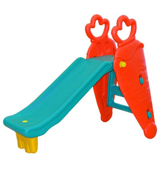 Горка Rich Toys SL-10 МорковьSL-10 МорковьГорка «МОРКОВЬ»  Сделана из очень прочного пластика Легка и удобна в сборке. Данная горка имеет интересный дизайн, который обязательно оценит Ваш ребенок. Это красочный веселый атракцион который поможет малышу развиваться в процессе игры. Она станет прекрасным украшением сада, загородного участка или двора у дома. Атракцион станет излюбленным местом игр Вашего ребенка и его друзей.  Удобство горки очевидно. Она безопасна, так как рассчитана на маленьких детей с учетом особенностей возраста. Удобные ступеньки, перила и закругленные бортики. Сама горка не высокая и очень устойчивая.  Размер: 106х65х137 см.  V=0.1529 м3  Легка и удобна в сборке. Безопасная и устойчивая горка.  Вес: 8 кг<br>