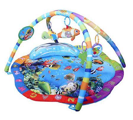 Развивающий коврик La-di-da Подводный мирПодводный мирРазвивающий коврик La-di-da Подводный мир выполнен из мягкой набивной ткани.   Особенности: Коврик стимулирует хватательный рефлекс, развивает восприятие цветов, форм, фактур, размеров, звуков В комплект коврика входят 2 игровые дуги с пятью разными подвесками и подушкой Подвески хорошо развивают хватательный рефлекс, их можно заменять любыми подвесками Коврик компактно складывается, удобен в хранении и транспортировке Легко стирается<br>