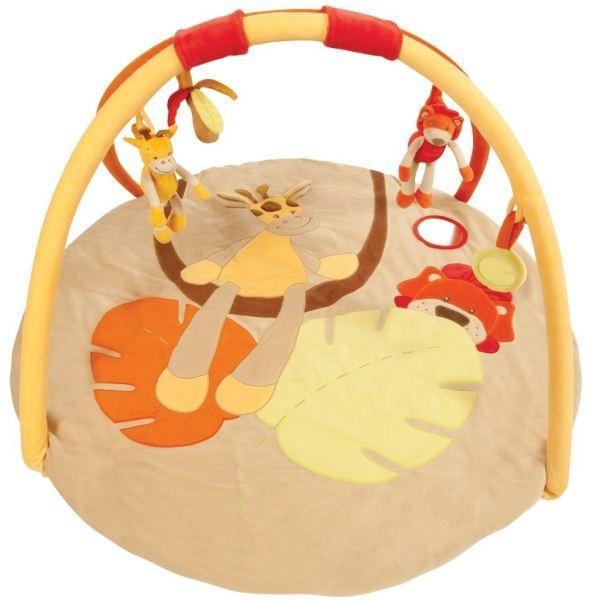 Развивающий коврик Nattou Жираф с друзьямиЖираф с друзьямиРазвивающий коврик Nattou Жираф с друзьями для детей от 0 до 12-ти месяцев.  Особенности: Коврик выполнен из плюшевой набивной ткани Стимулирует хватательный рефлекс, развивает восприятие цветов, форм, фактур, размеров, звуков В комплект коврика входят 2 игровые дуги с разными подвесными игрушками Подвески можно снимать и играть с каждой в отдельности Активно прыгая на большой поверхности игрового коврика, ваш ребёнок постоянно будет находиться в прекрасном настроении Коврик компактно складывается, удобен в хранении и транспортировке Стирка возможна только ручная<br>