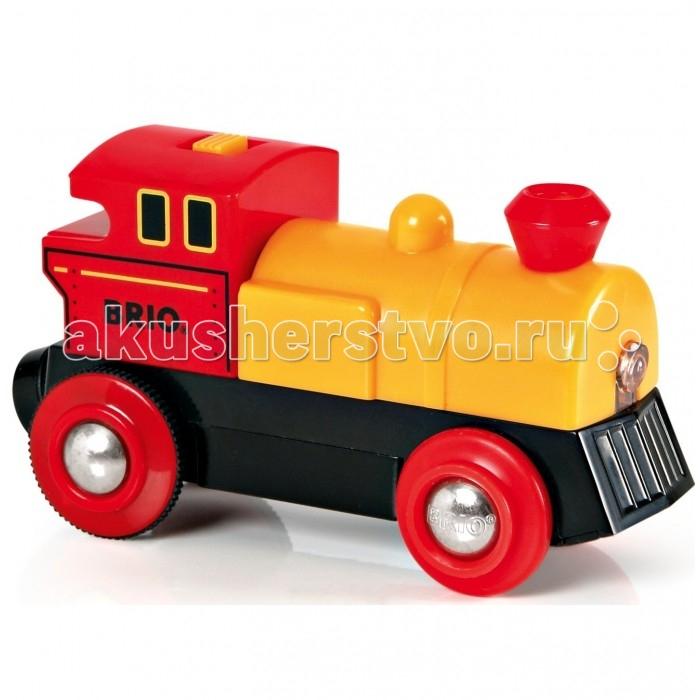 Brio ПаровозПаровозBrio Паровоз представлен в виде яркого транспортного средства для железных дорог Brio.   Особенности: Кабина, колеса и выхлопная труба выполнены в красном цвете, нижняя часть - в черном, а капот - в желтом.  Эта игрушка обладает световым эффектом и движением.  Направление поезда можно регулировать с помощью специального переключателя на крыше.  Когда паровозик движется, у него загораются огни. В игрушку встроены магниты, благодаря которым его можно прицеплять к другим составам из серии железных дорог.  Также паровозиком можно играть без включения его функций.  С таким замечательным поездом ребенок будет увлеченно играть, представляя себя в качестве машиниста.  Размер игрушки: 9 х 4 х 5 см  Внимание! Дизайн упаковки может варьироваться и отличаться от представленного на фото.<br>