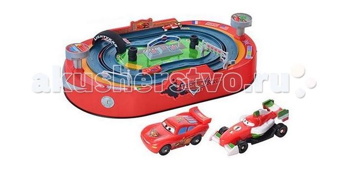 IMC toys Трек гоночный Cars2 DisneyТрек гоночный Cars2 DisneyТрек гоночный IMC toys Cars2 Disney  С таким комплектом ребенок легко сможет устроить захватывающие соревнования с друзьями или родителями.  Участники гонок устанавливают автомобили перед счетчиком кругов и одновременно нажимают на большую кнопку, чем чаще и быстрее они это делают, тем выше скорость машинки. Побеждает тот, кто первым проедет 3 круга, не слетев с трека.   Также для каждого гонщика предусмотрена кнопка в форме крышки бака, которая активирует ловушки для соперника.   Игрушка работает от 3-х батареек типа AA.  Запускайте автомобили из набора и смотрите, кто же станет победителем.<br>