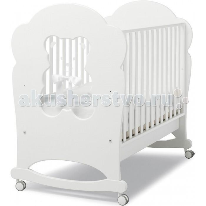 Детская кроватка Erbesi Fiocco BubuFiocco BubuДетская кроватка Erbesi Fiocco Bubu – новая линейка кроватей для новорожденных, отличающаяся высоким качеством используемых материалов. Стильная и изящная, она обеспечит малышу крепкий и здоровый сон, а ее элегантный дизайн наполнит комнату атмосферой уюта и тепла.   При снятых колесиках кроватка легко превращается в качалку, позволяя быстрее успокоить и убаюкать кроху.  Особенности: Двухуровневое дно в виде ортопедической сетки из деревянных планок или многослойной перфорированной фанеры (10 отверстий), обеспечивающей правильное потоотделение Качание при снятых колесах, позволяет быстрее успокоить и убаюкать малыша<br>
