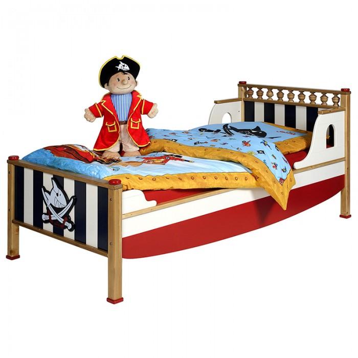 Детская кроватка Spiegelburg Captn Sharky PiratenCaptn Sharky PiratenДетская кроватка Spiegelburg Captn Sharky Piraten  Детская кровать из коллекции Piraten - большая и удобная кровать в морской тематике идеально впишется в Ваш интерьер. Конструкция ножек убережет ребенка от травм и обеспечит стабильное положение кровать на поверхности пола.   Особенности: крепкая надежная конструкция, оригинальный дизайн, красивое изголовье, съемные боковины, легко трансформируется в диванчик, не имеет острых углов, идеально вписывается в интерьер современной детской комнаты<br>