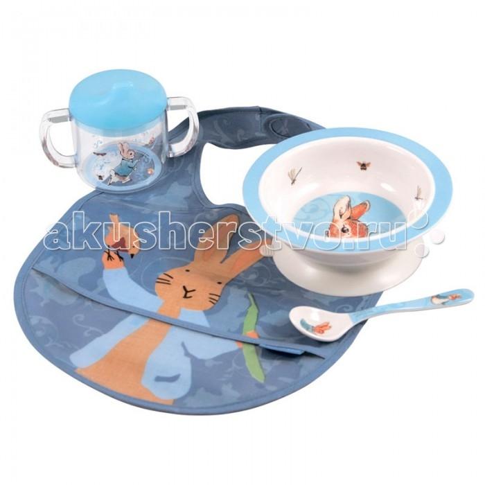Petit Jour Набор детской посуды Peter Rabbit с нагрудникомНабор детской посуды Peter Rabbit с нагрудникомPetit Jour Набор детской посуды Peter Rabbit с нагрудником в подарочной упаковке. Ваш малыш будет кушать с удовольствием!   Особенности: набор изготовлен из гипоаллергенного материала 0% фталатов и BPA (бифенол А) на дне тарелки есть веселый рисунок, для того, чтобы ее разглядеть, нужно опустошить тарелку тарелка с нескользящим дном и широкими краями, что обеспечивает ее устойчивость и непроливание пищи глубокая ложечка удобная ручка у ложки идеальна для самостоятельного питания поильник-непроливайка с двумя ручками тарелку и приборы можно мыть в посудомоечной машине  не подходит для использования в микроволновой печи и для горячих напитков  В комплекте: тарелка, глубокая тарелка, ложка, поильник, нагрудник Размер: ложка 14 см, поильник 11X10 см, тарелка 16 см<br>