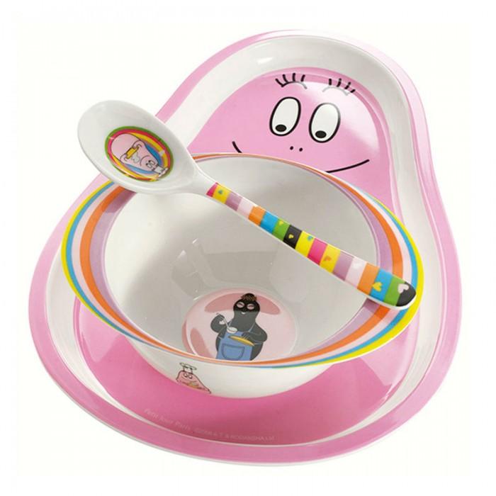 Petit Jour Набор детской посуды Barbapapa BA964CНабор детской посуды Barbapapa BA964CPetit Jour Набор детской посуды Barbapapa BA964C украшен изображением очаровательных персонажей комиксов и мультфильмов.   Ярко-розовый набор посуды Barbapapa включает: поднос, мисочку  и ложку.   Подходит для мытья в посудомоечной машине и не подходит для микроволновой печи и горячих напитков.<br>