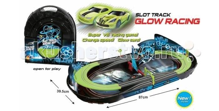 Shantou Gepai Автотрек Glow Racing (2 светящиеся машинки)Автотрек Glow Racing (2 светящиеся машинки)Очень увлекательным для игры является автотрек от бренда Shantou Gepai. В комплекте с треком имеются 2 машинки, светящиеся в темноте. Для запуска машинок по треку используется пульт управления. Питание трека идет от электросети через адаптер.  При игре можно выбрать либо 1, либо 2 игроков. Также регулируется скорость: для младших детей от 3 до 5 лет – низкая скорость, а для детей от 5 и до 9 лет – высокая.   Машинки отлично светятся в темноте, что придают интересный эффект данному набору. Трек имеет форму в два яруса.   Вдоль дорожек и над ними установлены различные рисунки, изображающие элементы для настоящих гонок. После игры автотрек легко складывается в чемоданчик, который удобно носить за ручку.  Комплект: автотрек, 2 машинки, пульт, сетевой адаптер, чемоданчик.<br>