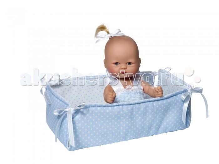 ASI Кукла-пупсик 20 см 2384058Кукла-пупсик 20 см 2384058ASI Кукла-пупсик 20 см 2384058 Этот малыш такой забавный!  У него невероятно выразительная внешность:лысый с маленьким хвостиком ,в голубом манеже,в красивой подарочной коробке.Он такой крошечный и такой трогательный, что его так и хочется взять в руки! Винил из которого изготовлен пупсик очень высокого качества. Компания ASI уже более 70 лет занимается производством кукол и знает о них все! Вот почему куклы этого испанского бренда имеют заслуженную славу и выгодно отличаются от продукции-конкурентов.   Упакован в красивую подарочную коробку.  Особенности:  кукла ASI сделана очень качественно.  Без запаха.   Используется безопасный твердый винил.  Видна прорисовка мельчайших подробностей тела, рук и ног.<br>