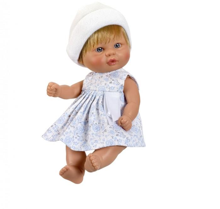 ASI Кукла-пупсик 20 см 2110004Кукла-пупсик 20 см 2110004ASI Кукла-пупсик 20 см 2110004  Забавный пупсик выполнен из винила у него короткие светлые волосы. Одет он в белое платье с голубыми цветочками и шапочку. Кукла завораживает своей красотой и выгодно выделяется на фоне других кукол.Он такой крошечный и такой трогательный, что его так и хочется взять в руки! Винил из которого изготовлен пупсик очень высокого качества. Компания ASI уже более 70 лет занимается производством кукол и знает о них все! Вот почему куклы этого испанского бренда имеют заслуженную славу и выгодно отличаются от продукции-конкурентов.   Упакован в красивую подарочную коробку.  Особенности:  кукла ASI сделана очень качественно.  Без запаха.   Используется безопасный твердый винил.  Видна прорисовка мельчайших подробностей тела, рук и ног.<br>