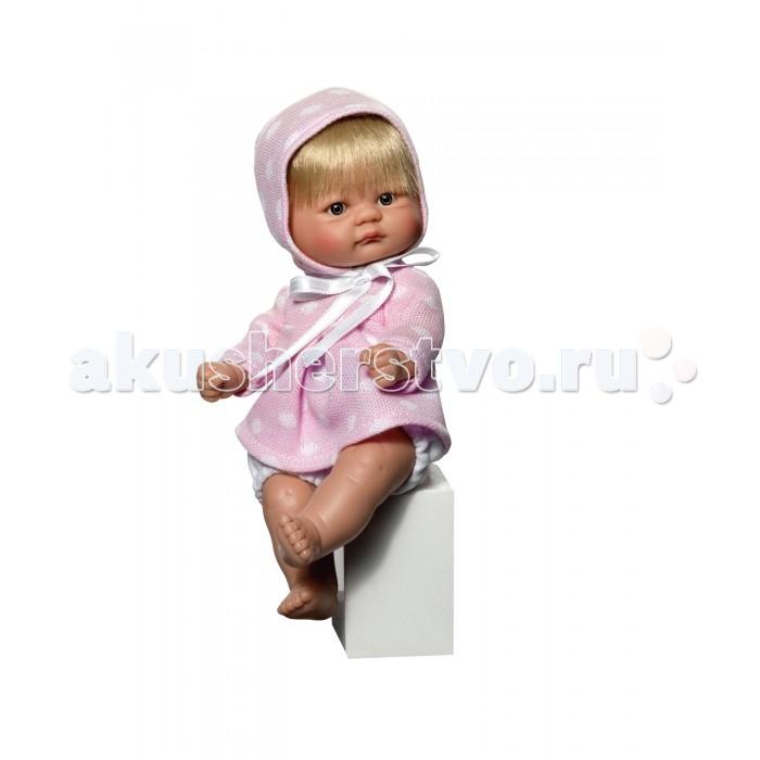 ASI Кукла-пупсик 20 см 2113057Кукла-пупсик 20 см 2113057ASI Кукла-пупсик 20 см 2113057  Пупсик выполнен из высококачественного винила. Виниловых кукол можно купать.  У куклы короткие светлые волосы, она в розовом платье в горошек.  Пупсик упакован в красочную именную коробку испанского кукольного дома ASI.  Особенности:  кукла ASI сделана очень качественно.  Без запаха.   Используется безопасный твердый винил.  Видна прорисовка мельчайших подробностей тела, рук и ног.<br>
