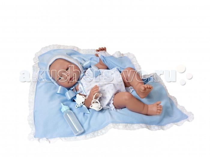 ASI Кукла Пабло 45 см 363511Кукла Пабло 45 см 363511ASI Кукла Пабло 45 см 363511 так похожа на настоящего новорожденного ребеночка, что так и хочется взять его на руки и покачать!  Реборн Пабло  отлично подходит для игры ребенка любого возраста:полностью выполнен из винила очень приятного на ощупь, пупса можно купать и переодевать в одежду для новорожденных, приоткрытый ротик позволяет давать ему соску и кормить из бутылочки. Имеет половые различия.  Пупс Пабло одет в белый комбинезон с голобуми зведочками, теплую кофточку, носочки и шапочку. В комплект входит: плед, пустышка на цепочке с зажимом,бутылочка. Прилагается именной Сертификат от ASI с датой рождения.Упакован в красивую подарочную коробку.<br>
