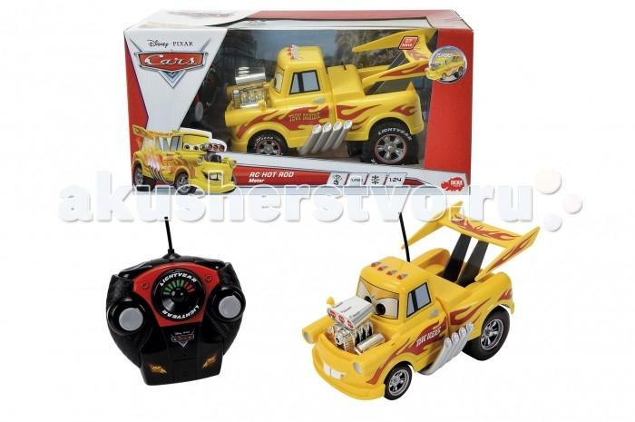 Dickie Машинка Мэтр гонщик 2х канальный 1:24Машинка Мэтр гонщик 2х канальный 1:24Dickie Машинка Мэтр гонщик 2х канальный 1:24   Добрый и веселый Мэтр, персонаж из знаменитого мультфильма Тачки предстает в новом обличье, теперь он уже не тот простой провинциальный парень, каким был раньше.   Новый мощный двигатель, аэродинамический спойлер вместо грузовой стрелы и яркая расцветка сделали из Мэтра настоящего гонщика, покорителя трудных трасс.   Игрушка работает от батареек и выполняет команды двухканального пульта радиоуправления.<br>