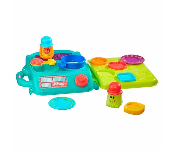 Развивающая игрушка Playskool Hasbro Возьми с собой Моя первая кухняHasbro Возьми с собой Моя первая кухняРазвивающая игрушка для малышей из серии Playskool «Возьми с собой» Моя первая кухня не только приведет в восторг малышек, но и будет оценена по достоинству оценена мамами. Ведь она позволяет держать все игрушки, входящие в комплект набора, в компактном удобном кейсе, который к тому же легко помещается в сумку для прогулок с ребенком!  Яркий чемоданчик с удобной ручкой для транспортировки одновременно является игровой поверхностью, имитирующую обстановку настоящей кухни в миниатюре.  Переверните раскрытый чемоданчик вверх дном, и Вы получите варочную поверхность, крохотную раковину для мытья посуды и обеденный стол с углублениями, который можно использовать как сортер.  В набор входит комплект посуды различного предназначения, разных форм, цветов и размеров, солонка и перечница.  С этим замечательным набором Ваша маленькая хозяюшка сможет попробовать свои силы в приготовлении пищи и сервировке стола.<br>