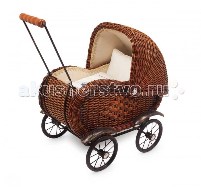 Коляска для куклы ASI плетеная из дерева и ротанга 8762плетеная из дерева и ротанга 8762Small foot Коляска плетеная из дерева и ротанга (ручное плетение) 8762  Прекрасная плетеная из дерева коляска под старину. Внутри мягкое одеяло и подушка. Выполнена из роттанга, имеет прочный металлический каркас, колеса имеют резиновое покрытие для плавного и тихого хода.  Коляски для кукол — непременный атрибут игры в дочки-матери.Играя в сюжетно-ролевые игры, дети создают вымышленный мир, инсценируя повседневную жизнь с ее разными взаимоотношениями, проявляют заботу о ком-то или осознают ответственность за кого-либо, развивают воображение.  Изготовлена из высококачественной материалов трижды тестирована в соответствии с нормативами и Европейскими стандартами.<br>
