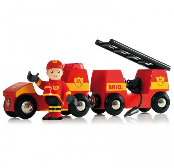 Brio Набор для деревянной ж/д Пожарная машина (свет, звук)Набор для деревянной ж/д Пожарная машина (свет, звук)Набор для деревянной ж/д Пожарная машина включает в себя фигурку храброго пожарного, у которого двигаются руки и ноги, прицеп с брандспойтом и складную пожарную лестницу. Пожарная машина имеет световые и звуковые эффекты. Игрушка абсолютно безопасна для детей, так как изготовлена из экологически чистых материалов.  В комплекте:   Пожарная машина; Прицеп с помпой и пожарной лестницей; Фигурка пожарного.  Особенности:   Размер упаковки: 25.5 x 9.6 x 5 см Размер игрушки: 16.5 x 3.4 x 5 см<br>