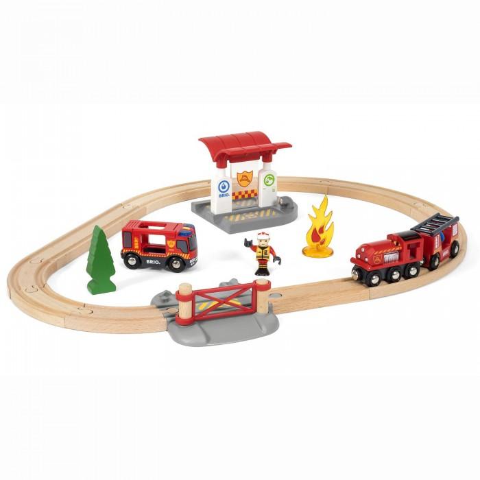 Brio Игровой набор Железная дорога Пожарная станция (свет, звук) 18 предметов