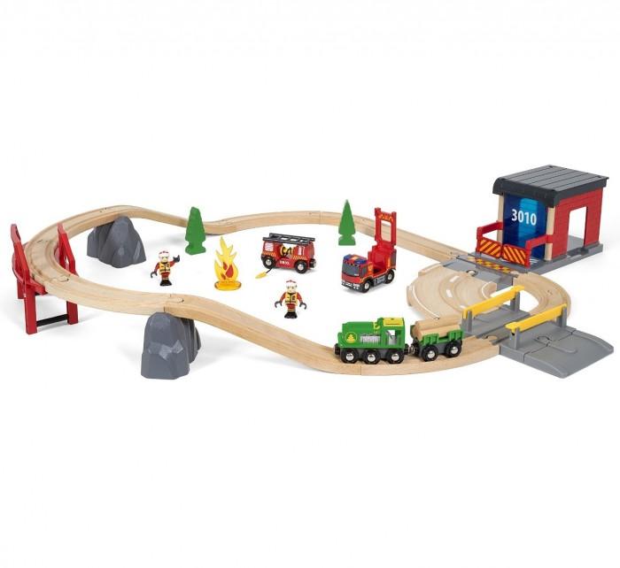 Brio Игровой набор Железная дорога Пожарная команда спасателей (свет, звук) 30 деталей