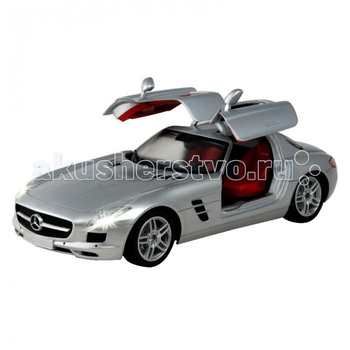 Auldey Машина на батарейках радиуоправляемая Mercedes-Benz SLS-AMG LC258810-8Машина на батарейках радиуоправляемая Mercedes-Benz SLS-AMG LC258810-8Радиоуправляемая машина Mercedes-Benz ALS AMG выполнена в масштабе 1:16 - это сравнительно крупная модель. Она двигается на скорости 9 км/ч, а при включении турбо-режима разгоняется до 11 км/ч. У нее работают задние и передние фары и действует тормоз. Кроме того, двери машины открываются.  Автомобиль управляется при помощи дистанционного пульта на расстоянии до 30 м, пульт работает на двух батарейках типа AA, сама машина - на четырех.   Mercedes-Benz SLS AMG - заднеприводный суперкар, представленный в 2009 году и получивший признание автомобильных критиков как мощный и технологичный автомобиль.  Одна из его узнаваемых особенностей - двери типа крыло чайки.<br>