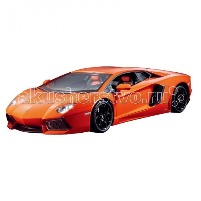 Auldey Машина на батарейках радиуоправляемая LAMBORGHINI Aventador LC296050-4Машина на батарейках радиуоправляемая LAMBORGHINI Aventador LC296050-4Уменьшенная в 28 раз копия Lamborghini Aventador управляется при помощи дистанционного пульта на расстоянии до 15 м. Ее средняя скорость - 7 км/ч.  Пульт и машина работают от двух пар пальчиковых батареек. У автомобиля работают передние и задние фары, а также присутствует передний тормоз - и это отличный повод устроить крутой дрифт. Корпус изготовлен из прочного пластика, так что в долговечности модели можно не сомневаться.   В Lamborghini явно любят корриду, раз называют свои модели в честь знаменитых быков, под чьими рогами и копытами пал не один матадор. Кто-то скажет, что это кровожадно, но другие возразят, что впечатляющему автомобилю нужно впечатляющее имя.<br>