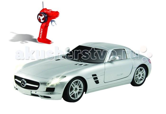 Auldey Машина на батарейках радиуоправляемая Mercedes-Benz-SLS LC296810-2Машина на батарейках радиуоправляемая Mercedes-Benz-SLS LC296810-2Полнофункциональная радиоуправляемая модель автомобиля Mercedes-Benz-SLS серебристого цвета выполнена в весьма реалистичном виде и является практически точной копией настоящего автомобиля.  Обладает способностью передвигаться вперед и назад, влево и вправо, останавливаться.  Автомобиль оснащен по последнему слову игрушечной техники: он имеет профессиональное шасси, полнофункциональный радиоконтроль, свет передних и задних фар, независимую подвеску передних и задних колес, что позволяет ему имитировать маневры настоящей машины.  Радиус действия пульта — не менее 15 м. Скорость — 9 км/ч, в турборежиме — 11 км/ч.  Питание: 2 батарейки типа АА для пульта управления, 4 батарейки типа АА для машинки.  С такой игрушкой можно устраивать импровизированные соревнования машинок как дома, так и на улице.<br>