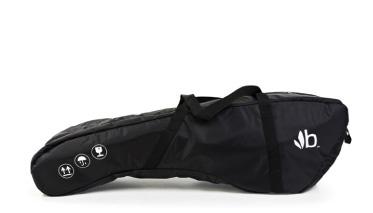 Bumbleride Дорожная сумка для FliteДорожная сумка для FliteДорожная сумка для колясок Flite Bumbleride  Коляски Bumbleride Flite стали еще более мобильными с гладкими и прочными дорожными сумками. Сложите коляску Flite и безопасно перевозите ее в любом направлении. Дорожные сумки для Flite оснащены ручками для переноски и съемными плечевыми ремнями. Особенности  - Сделаны из прочного мягкого нейлонового материала - Ручки для переноски и плечевой ремень<br>