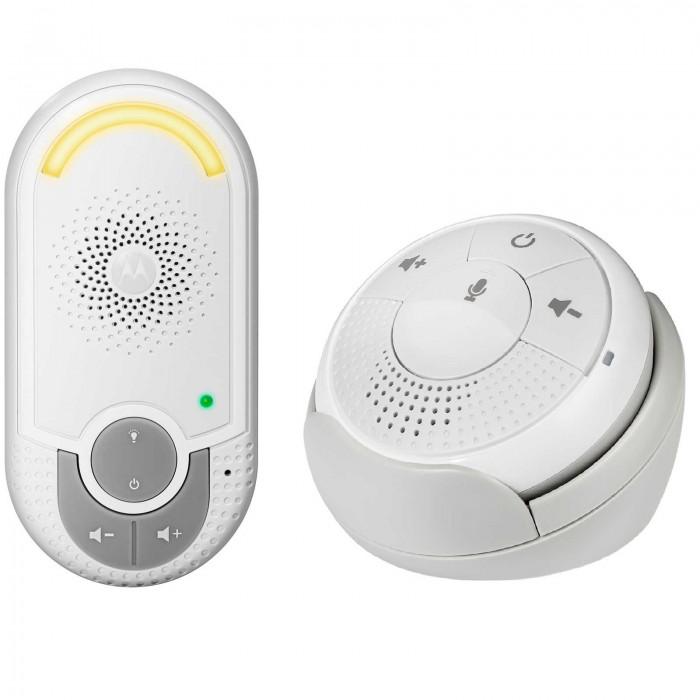 Motorola Радионяня MBP140Радионяня MBP140Motorola Радионяня MBP140 представляет собой беспроводное устройство наблюдения за ребенком, которое является прекрасным помощником для родителей.   Особенности: Двусторонняя радионяня Motorola MBP140 специально разработана для удобства родителей. Родительский блок имеет подставку с функцией зарядки.  Беспроводная технология связи  ДЕКТ,  1,8ГГц      Компактный родительский блок  Сигнал о выходе из зоны действия сети  Функция обратной связи при помощи одной кнопки  Высокочувствительный микрофон  Регулировка громкости Ночник  Корпус - Пластик<br>