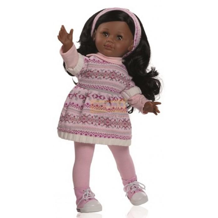 Paola Reina Кукла Андреа 47 смКукла Андреа 47 смКукла Paola Reina Андреа jpg - одна из коллекций виниловых кукол Паола Рейна.    Особенности:   Уникальный и неповторимый дизайн лица и тела. Ручная работа: ресницы, веснушки, щечки, губы, прическа.  Волосы легко расчесываются и блестят.  У куклы скелетный каркас. Благодаря данной конструкции у куколки вращаются ручки и ножки вдоль тела на 360 градусов, а также отставляются в стороны. Тело куколки может немного сгибаться в талии.  Глазки закрываются.  Наряд игрушки и аксессуары можно при необходимости постирать, и они останутся такими же яркими и привлекательными.  Тело куклы выполнено из приятного на ощупь высококачественного винила, который имеет лёгкий аромат ванили.  Материалы, из которых изготовлена игрушка, прошли все необходимые сертификации и проверки на безопасность для детей. Качество подтверждено нормами безопасности EN71 ЕЭС.    Paola Reina имеет в своем ассортименте кукол всех национальностей, что помогло завоевать не только любовь детей, но и коллекционеров.   Высота: 45 см  Материалы: кукла изготовлена из винила и текстиля; глаза выполнены в виде кристалла из прозрачного твердого пластика; волосы сделаны из высококачественного нейлона.<br>