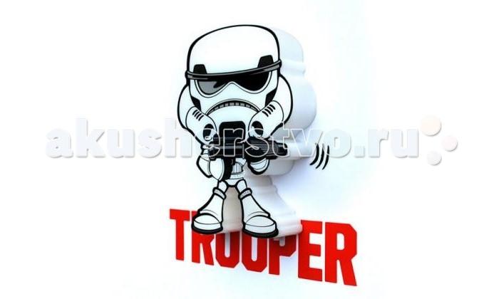 Светильник 3DlightFX Пробивной мини 3D StarWars (Звёздные Войны) Stormtrooper (Штормтрупер)Пробивной мини 3D StarWars (Звёздные Войны) Stormtrooper (Штормтрупер)Пробивной мини 3D светильник StarWars (Звёздные Войны) Stormtrooper (Штормтрупер). Безопасный: без проводов, работает от батареек (2хААА, не входят в комплект); Не нагревается: всегда можно дотронуться до изделия; Реалистичный:3D наклейка в комплекте; Фантастический: выглядит превосходно в любое время суток; Удобный: простая установка (автоматическое выключение через полчаса непрерывной работы). Товар предназначен для детей старше 3 лет. ВНИМАНИЕ! Содержит мелкие детали, использовать под непосредственным наблюдением взрослых.  Особенности:   Размеры: 16.9 х 16 х 4.1 см Вес: 0,17 кг<br>