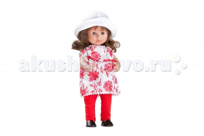 Dnenes/Carmen Gonzalez Кукла Мариэтта в брючном костюме 34 смКукла Мариэтта в брючном костюме 34 смКукла Мариэтта в брючном костюме - очаровательная кукла-девочка испанского производителя в модном наряде.  Девочка одета в коротенькое белое платье с большими красными цветами и красные узкие брючки. Прямое платье классического фасона декорировано белой тесьмой и красными бантиками на талии. Красные брючки дополняют и оживляют наряд. Копну густых и пышных волос сдерживает кокетливая белая шляпка. На ножках обуты аккуратные черные туфельки.  Волосы каштановые, хорошо прошитые. Глаза карие, стеклянные, обрамлены ресничками, закрываются.  Кукла не имеет запаха и обладает приятным тактильным эффектом. Кукла Carmen Gonzalez продается в красивой подарочной коробке с прозрачным окошком.<br>