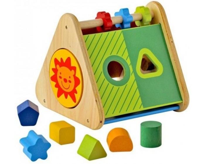 Деревянная игрушка Im toy Сортер Развивающий треугольникСортер Развивающий треугольникДеревянная игрушка Im toy Сортер Развивающий треугольник - замечательный игровой тренажер для всестороннего детского развития привлекает внимание оригинальным дизайном и приятной конструкцией.   В комплекте: Он представляет собой пирамидку из гладкого, отшлифованного дерева со скругленными углами для безопасности крохи.  Каждая грань игрушки задействована – на них находятся отверстия-прорези, куда нужно поместить фигурки соответственно их форме.  В увлекательном игровом процессе малыш учится различать геометрические фигуры и развивает интеллект.  Детальки легко достать из пирамидки и снова продолжить занятие! На одной из боковых сторон пирамидки вы увидите забавную мордашку львенка. Покрутите круглую плашку, и на его месте возникнет лиловый бегемотик! С другой стороны вы найдете разноцветный диск с ручкой, за которую его можно покрутить.  Размер треугольника: 19&#215;20.2&#215;17.3 см.<br>