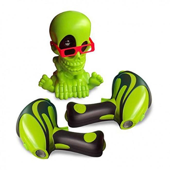 Интерактивная игрушка Johnny the Skull Тир проекционный 3D Джонни-Черепок с 2-мя бластерамиТир проекционный 3D Джонни-Черепок с 2-мя бластерамиОбновленный и усовершенствованный интерактивный тир Johnny The Skull – отличный выбор подарка для мальчика, особенно для поклонника активных игр со стрельбой. Интерактивный тир предназначен для игры в закрытых помещениях и совершенно безопасен и для игроков, и для обстановки квартиры, ведь стрелять Вам придется не пульками, стрелами или другими снарядами, а невидимым лучом!   С интерактивными игрушками Johnny The Skull Вам не потребуется много свободного пространства, достаточно будет погасить свет в комнате и можно начинать увлекательнейшую охоту на привидения и летучих мышей!   Комплект набора состоит из проектора в виде симпатичного скелетика по имени Джонни, отбрасывающего световые проекции на стены и потолок комнаты, и двух электронных бластеров, которые будут подсчитывать количество метких выстрелов.  Новая версия игрового набора отличается дизайном проектора – Джонни Черепок теперь выполнен в зеленом цвете, дополнена 3D-очками для объемного видения, помимо привидений Джонни проецирует изображения летучих мышей-вампиров, подстрелить которых гораздо сложнее и каждый меткий выстрел по этой цели оценивается втрое больше обычного.  Для работы игрушки необходимы элементы питания (в комплект набора не входят, приобретаются отдельно) – 4 батарейки типа AA («пальчиковые) для проектора и 3 батарейки типа AAA («мизинчиковые») для каждого бластера (для двух бластеров – 6 шт.).<br>