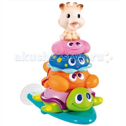 Vulli Пирамидка для ванны 523409Пирамидка для ванны 523409Пирамидка жирафик Софи и друзья принесет море радости малышу во время купания.  В набор входит 4 фигурки веселых животных и специальная подставка, которая с легкостью крепится при помощи присоски на ванну.   Малышу обязательно понравится придумывать различные игры с новыми друзьями, но и выстраивать из них пирамидку.   Специальная форма животных разработана таким образом, чтобы тренировать у ребенка моторику, учить его пространственному мышлению, изучать формы предметов, а также тренировать логические способности. Изготовлено из абсолютно безопасных для ребенка материалов.<br>