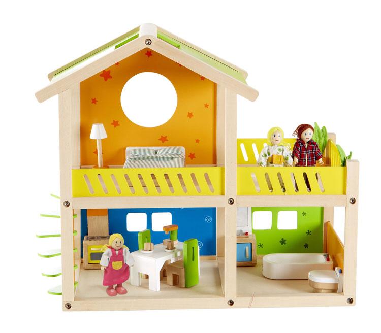 Деревянная игрушка Hape Кукольный домик с мебелью и фигурками Е3402Кукольный домик с мебелью и фигурками Е3402В набор входит: кукольный домик, мебель для ванной, кухни, спальни и террасы, 3 фигурки.  Кукольный домик позволит малышам придумать собственную семью. Ролевая игра развивает воображение, навыки общения, облегчает процесс социализации.  Весь интерьер максимально приближен к настоящему: комплект пастельного белья, набор посуды, все шкафы открываются, растения изготовлены из войлока – напоминают настоящие.<br>