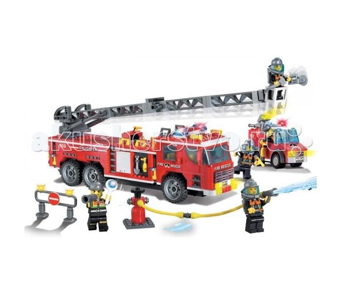 Конструктор Enlighten Brick Пожарная техника 908 605 деталейПожарная техника 908 605 деталейС Enlighten Brick Пожарная техника 908 605 деталей счастью крохи не будет предела! Уникальные детали в виде гидранта, огнетушителя, шланга и дорожного знака сделают игру более реалистичной и интересной.   На машине может двигаться подъемная лестница, опускаются подножки, открываться дверцы с инструментом. Кроме большой машинки собирается также маленькая вспомогательная.  Игрушка сделана из прочной пластмассы. Детали унифицированы с конструктором типа «LEGO». В набор входит 5 фигурок пожарников.<br>