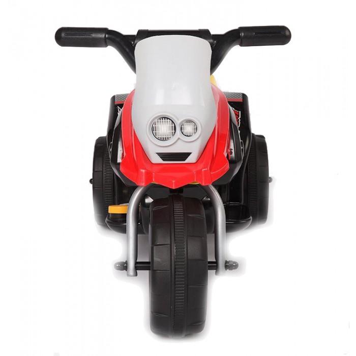 Электромобиль Vip Toys W336W336Если вы хотите, что бы Ваш ребёнок был самым стильным на улице и во дворе, то приобретите ему этот аккумуляторный мотоцикл. Рассекать просторы на этой потрясающей игрушке очень просто, выглядит «как взрослый».    Как и в реальном мотоцикле, эта игрушка разработана, чтобы обеспечивать ребенку максимальную безопасность: надежная устойчивая рама, широкое сиденье с резиновыми вставками, руль с удобными резиновыми ручками, ветровое стекло, широкие колеса прикрыты сверху защитными колпаками, система автоматического торможения. Реалистичный дизайн с повторением точных деталей дает ощущение подлинности мотоцикла. Предмет зависти для всех ребят и гордости для вашего малыша.  Характеристики: корпус - полипропилен усиленный, закаленный, противоударный экологически чистая и безопасная для детей краска соответствует европейским стандартам безопасности для детей от 3-х лет реалистичный дизайн  разгоняется до 2-3 км/ч  очень устойчивый как трехколесный велосипед приводится в движение от педали, отпустить педаль - остановится колеса прочный пластик с протектором и резиновыми рифлеными вставками для лучшего сцепления с поверхностями  эргономичное сиденье ступеньки для ног музыкальные и световые эффекты удобный, нескользящий руль ветровое стекло можно кататься как дома, так и на улице максимальная нагрузка - 35 кг разработана, чтобы обеспечивать ребенку максимальную безопасность мотор 6В15Вт электромотоцикл перезаряжаемый на аккумуляторе 6V/2.8AH  Размеры игрушки (дхшхв): 66x36x43.5 см<br>