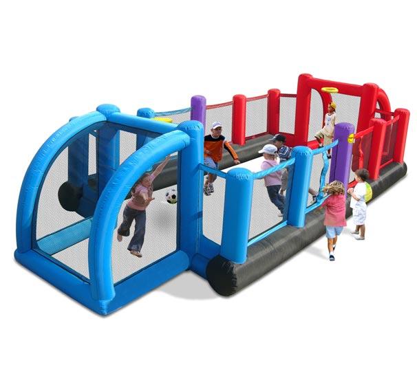 Happy Hop Надувные ворота Футбольная страна 9072NНадувные ворота Футбольная страна 9072NНадувные ворота Happy Hop Футбольная страна 9072N - отличная возможность устроить настоящий футбольный матч на дачном участке. Игровая модель для детей любого возраста. Установить можно как на детской площадке общего пользования, так и на собственном дачном участке.   Технические характеристики:  Габариты модели: 800 x 335 x 180 см Высота горизонтальной черной трубы в основании: 45 см  Высота защитной сетки-ограждения: 90 см  Размеры спортивные площадки: 480 x 245 см  Размеры ворот: 160 x 168 см  Допустимое количество детей: 10.  Изделие выдерживает широкий диапазон температур: от –10 до +40 °C Прочность на разрыв - до 14 кг Прочность на соединение - до 27 кг   Материал поверхности: ламинированная ткань Оксфорд  Застежки: лавсан  Крепеж к земле: пластмасса.  Насос высокого качества, безопасен при использовании и безвреден для окружающей среды. Насос можно использовать при температуре от -15 до + 40 °C. Оснащен устройством защиты.   При возникновении в насосе короткого замыкания или при прочих возникших проблемах при его эксплуатации, он немедленно выключается, тем самым обеспечивает безопасность пользователю надувного батута. Насос отвечает экологическим стандартам ЕС, а также имеет сертификат безопасности GS.  Комплектация: Надувной спортивный комплекс Воздухонагнетатель (компрессор) Сумка для хранения Пластиковые колышки для фиксации комплекса  Пластиковые колышки для фиксации воздухонагнетателя  Ремкомплект (по два кусочка ткани каждого цвета) 2 баскетбольных кольца Инструкция на русском языке.<br>
