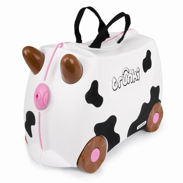 Trunki Чемодан на колесах Корова Фрида FriedaЧемодан на колесах Корова Фрида FriedaКрасочный и яркий чемодан для детских вещей.  Имеет очень прочную конструкцию, что позволяет использовать его, не только как обычный чемодан, но и как каталку. Имеет седлообразное основание для удобства вашего малыша. Теперь поездка и ожидание не будет таким утомительным.   Особенности чемоданов Trunki: предназначен для перевозки и хранения вещей и игрушек Вашего ребенка может быть использован как каталка для ребенка имеет прочный ремешок, что позволит катать родителям ребенка за собой выполнен в виде красочных и ярких персонажей, что очень понравится Вашему малышу  Станет прекрасным подарком!   Имеет 2 ручки для переноски.   Размеры чемодана 46 х 20,5 х 31 см. Размеры позволяют брать чемодан в самолет как ручную кладь.  Вес 1,7 кг   Внутренний объем 18 литров<br>