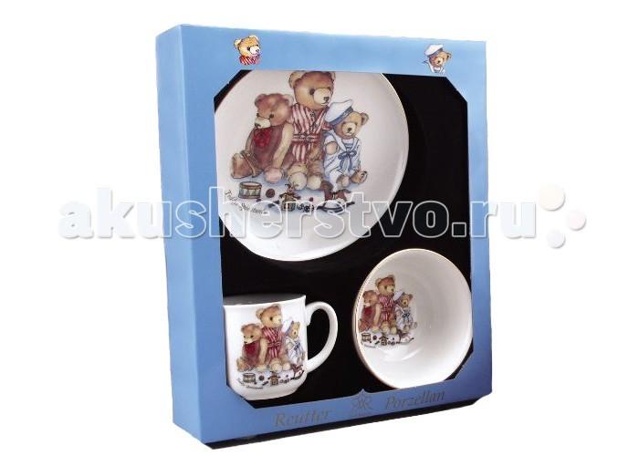 Reutter Porzellan Набор детской посуды Мишки Генри 3 предметаНабор детской посуды Мишки Генри 3 предметаReutter Porzellan Набор детской посуды Мишки Генри 3 предмета. Очень функциональный 3-х предметный набор детской посуды с оригинальными иллюстрациями  классических мишек Генри. Идеально подходит для завтрака, обеда или ужина.   В состав входит: плоская тарелка диаметром 17 см, пиалка диаметром 14 см, чашка с одной ручкой объемом 180 мл. Посуда пригодна для использования в микроволновой печи и посудомоечной машине.   Набор упакован в красочную картонную коробку с прозрачным окном.<br>