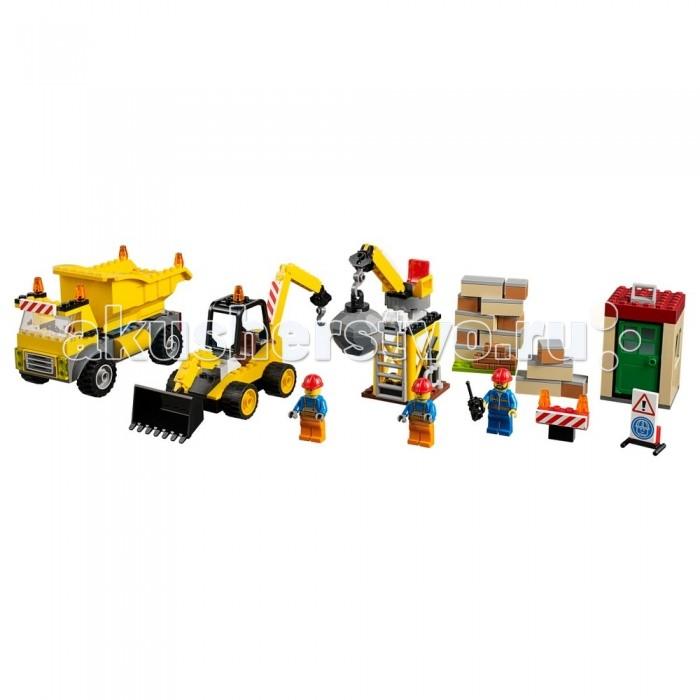 Конструктор Lego Juniors СтройплощадкаJuniors СтройплощадкаКонструктор Lego Juniors Стройплощадка предоставит возможность создавать множество интересных и функциональных игрушечных строительных объектов.  Особенности: Набор для настоящих ребят, которые не боятся трудной работы и справятся с любым заданием. На стройплощадке всегда много дел. Юным строителям несомненно понравится конструктор. Ведь теперь без труда можно устроить на полу в детской или на столе настоящую большую строительную площадку. Детям вовсе не обязательно четко следовать инструкции: напротив, играя с набором, они смогут проявить собственную фантазию, конструируя оригинальные механизмы и строя необычные дома. Специализированная техника для работы всегда под рукой: огромный самосвал, мощный экскаватор и шаровой таран. Возможно установить дорожное заграждение, руководить по рации процессом стройки, давая четкие указания работникам. Все детали конструктора линейки Lego Juniors изготовлены из безопасного и качественного материала, при производстве используется многоступенчатая система контроля качества.<br>